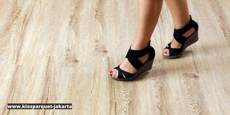 keuntungan menggunakan lantai kayu