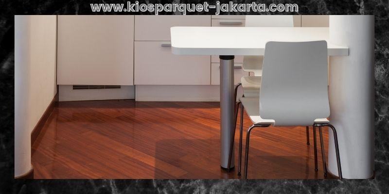 Tips Mendekorasi Rumah Minimalis- gunakan lantai kayu solid merbau