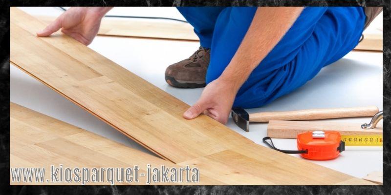 material terbaik untuk lapangan badminton - lantai kayu sintetis laminated