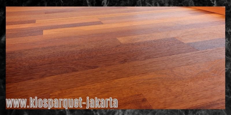 material terbaik untuk lapangan badminton - lantai kayu solid merbau