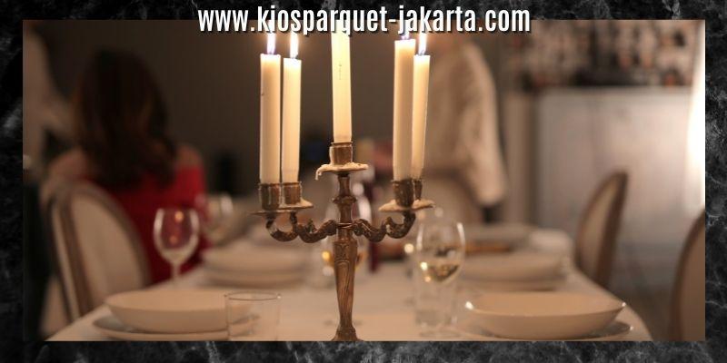 Ide Dekorasi Ruang Makan - sediakan tempat lilin